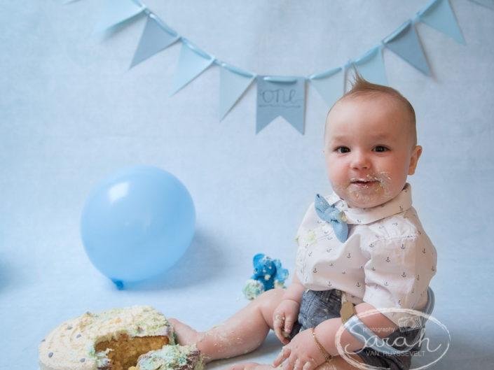Cake Smash, eerste verjaardag, 1 jaar, verjaardagsfeestje, Sarah Van Ruyssevelt Photography