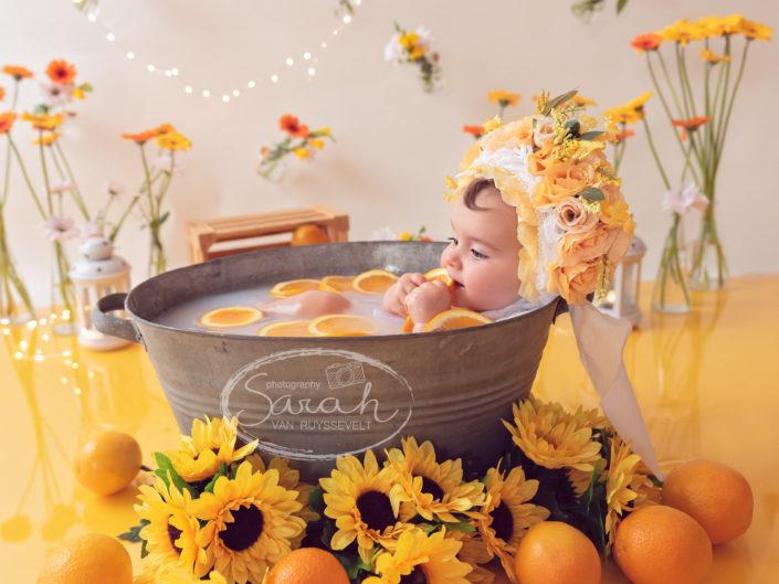 baby met bloemenbonnet, Sarah Van Ruyssevelt Photography