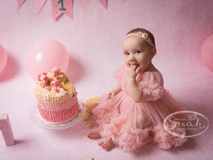Eerste verjaardag, taartsmash 1 jaar, verjaardagsfeestje, Sarah Van Ruyssevelt Photography
