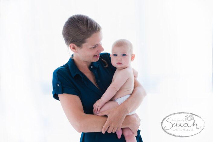 borstvoedingsshoot, borstvoedingsessie, babyshoot, 6 maand, Mommy and me